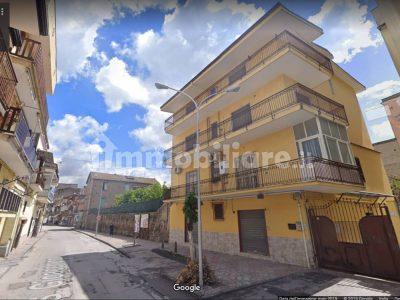 Palazzo 4 piani 1000 mq più Terreno 1000 mq, Acerra, Napoli