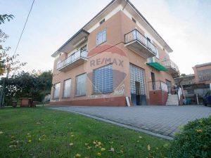 Casa indipendente nel verde della Brianza, Cremella, Lecco