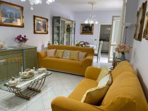 Villa su 3 piani, Giugliano in Campania zona metro, Napoli