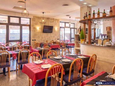 Ristorante pizzeria in vendita a Ciampino, Roma